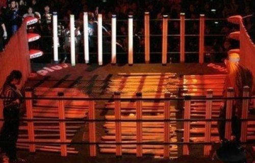 Lutas japonesas com lâmpadas de néon 7