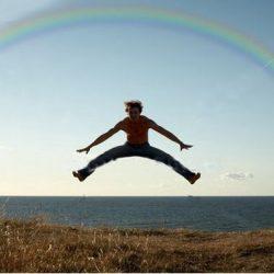 Fotos incriveis de pessoas a levitar 23