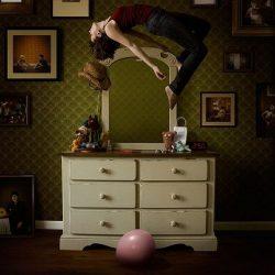 Fotos incriveis de pessoas a levitar 4