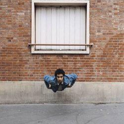 Fotos incriveis de pessoas a levitar 13