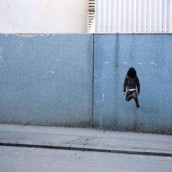 Fotos incriveis de pessoas a levitar 11