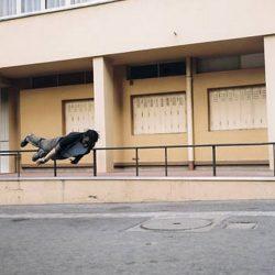Fotos incriveis de pessoas a levitar 7