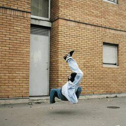 Fotos incriveis de pessoas a levitar 21