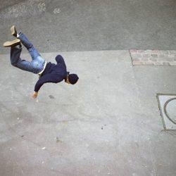 Fotos incriveis de pessoas a levitar 9