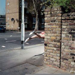 Fotos incriveis de pessoas a levitar 1