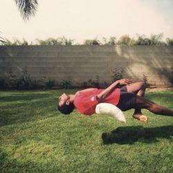 Fotos incriveis de pessoas a levitar 12