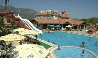 Abriu o primeiro hotel nudista na Turquia 3