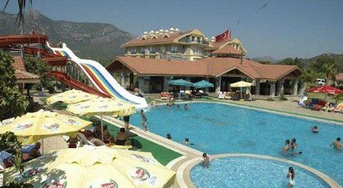 Abriu o primeiro hotel nudista na Turquia 15