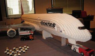 Um AirBus A380 em Lego 17
