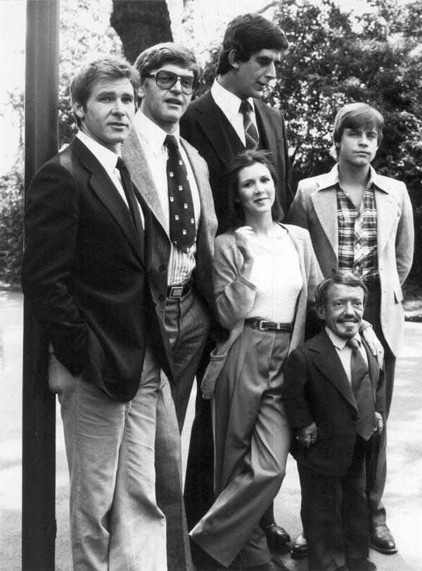 """A única foto dos protagonistas da """"Guerra da Estrelas""""… posando juntos 1"""