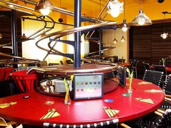 O primeiro restaurante automático do mundo 6