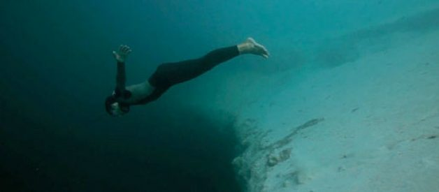 Base jumping sob a água!