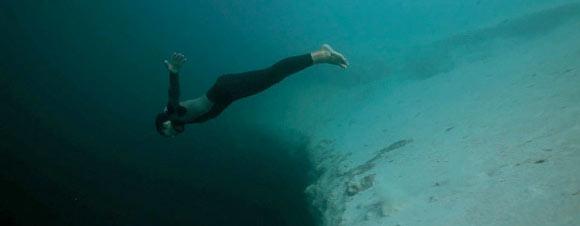 Base jumping sob a água! 12