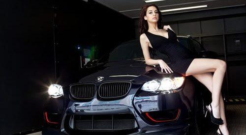 Escolas de condução japonesas oferecem aulas em BMW e massagens