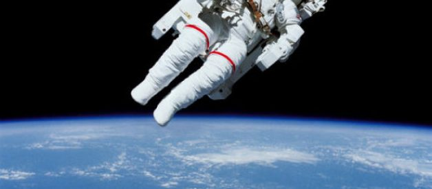 O primeiro passeio espacial
