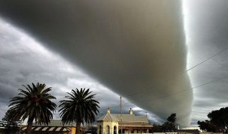 Uma nuvem incrível 2