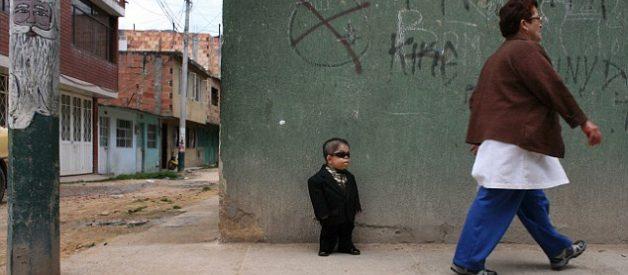 Edward Nino Hernandez: O homem mais baixo do mundo