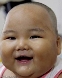 Bebé chinês tem 20 quilos com apenas dez meses de idade