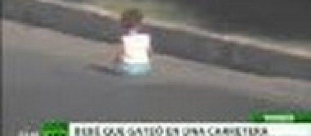 Vídeo Insólito: Uma criança sobrevive a travessia em autoestrada na Turquia