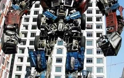 """Um modelo de """"Transformer"""" feito com sucata 1"""