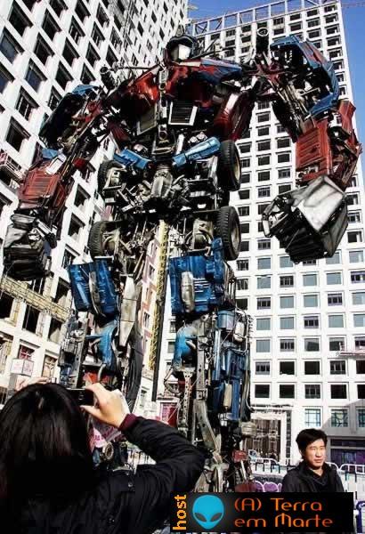 """Um modelo de """"Transformer"""" feito com sucata 3"""