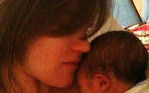 Mãe tecnológica twittou 104 vezes durante o parto 3
