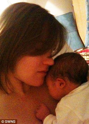 Mãe tecnológica twittou 104 vezes durante o parto 1