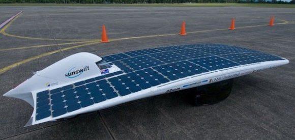 O automóvel a energia solar mais rápido do mundo 4