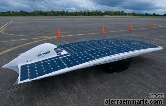 O automóvel a energia solar mais rápido do mundo 1