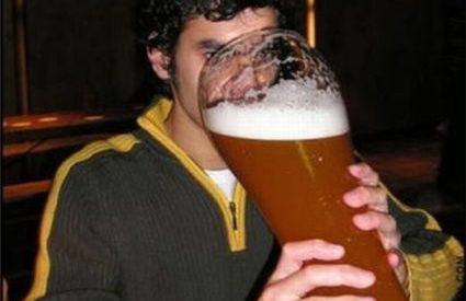 Porque os homens bebem mais álcool que as mulheres? 1