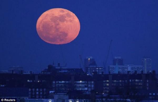 As melhores imagens da super lua 6
