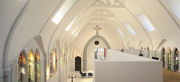 Transformando uma igreja numa moderna moradia