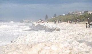 O dia da espuma no mar da Austrália 3