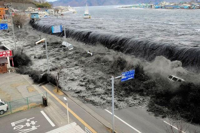 tsunami japão
