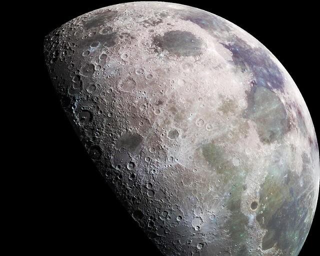 monólito na lua