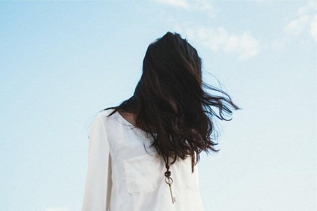 sonhar com cabelos